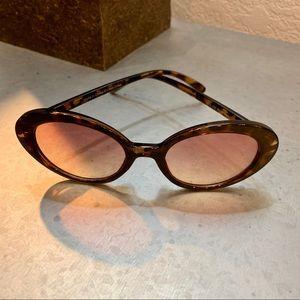 UO Retro Cat Eye Oval Sunglasses
